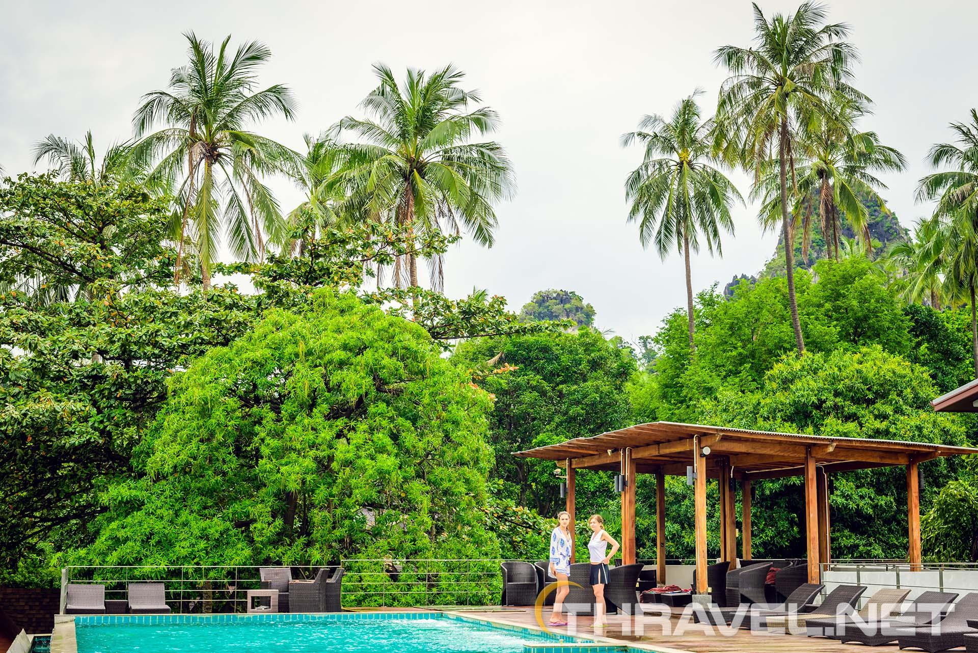 Railey-Princess-resort-pool