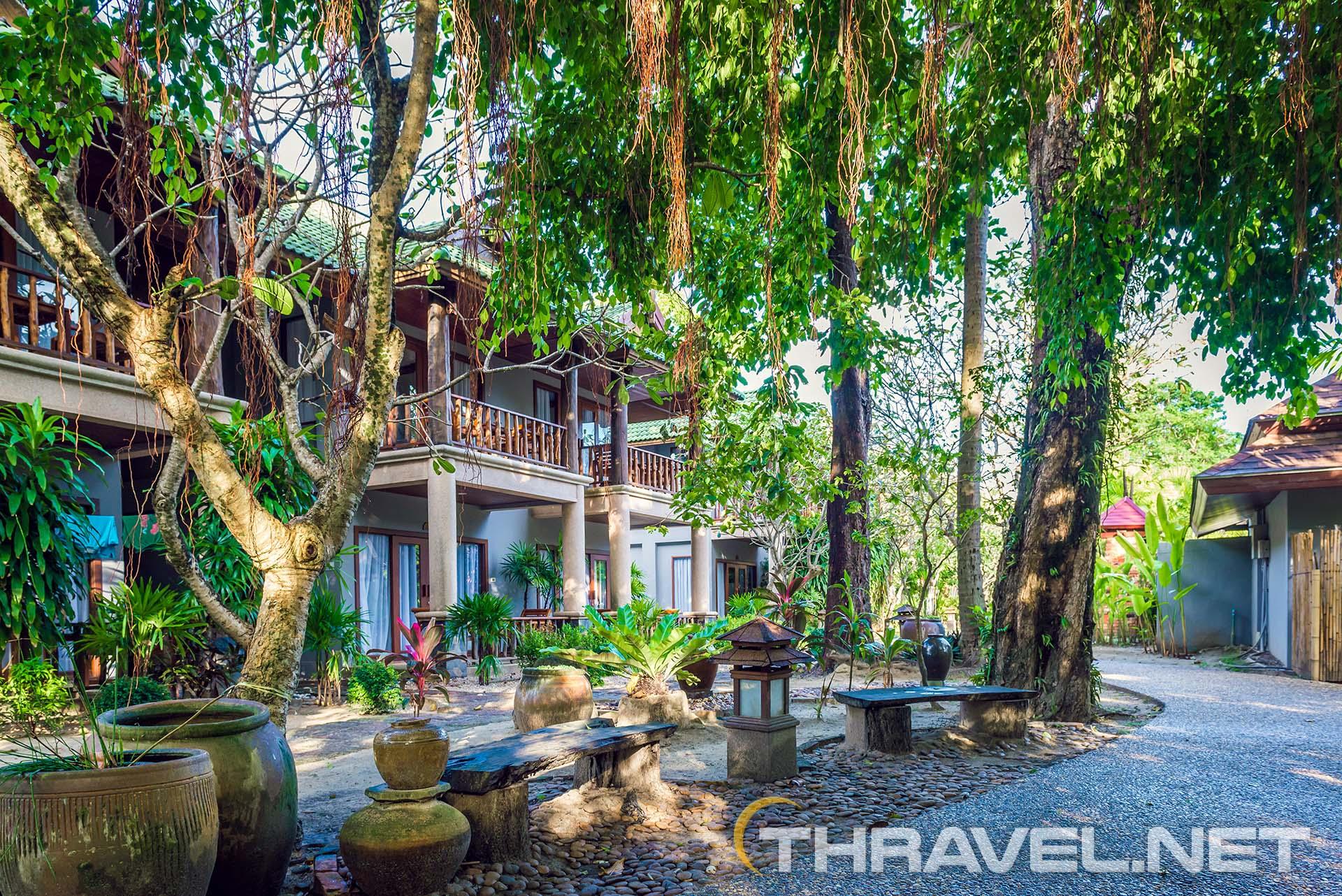 Railey-beach-hotels-garden-photo