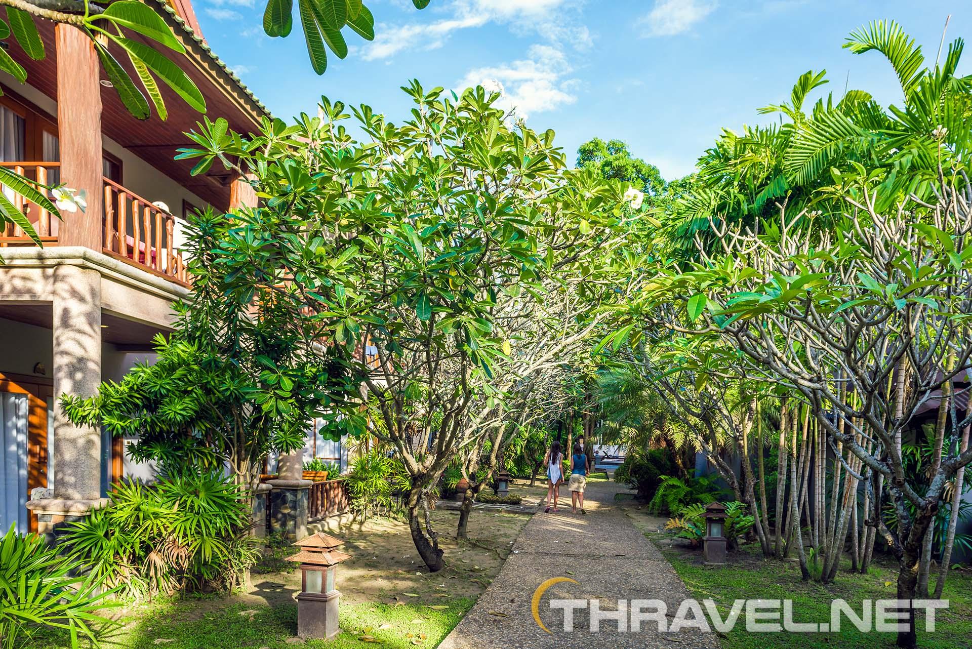 Railey-beach-hotels-garden