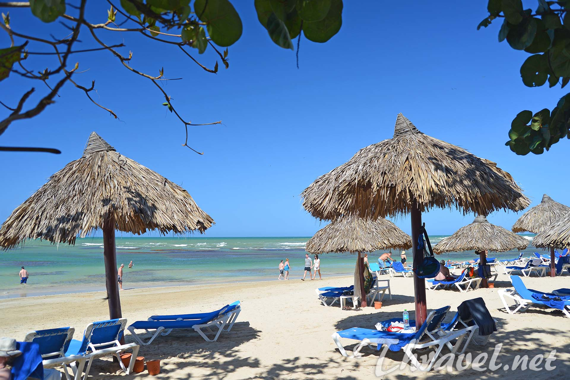 grand-bahia-principe-front-beach
