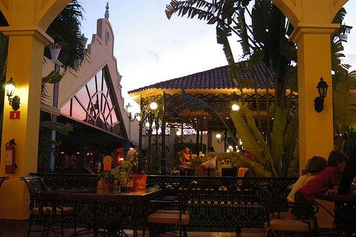 hotel-riu-tequila-playa-del-carmen-mexico-_-night-shots