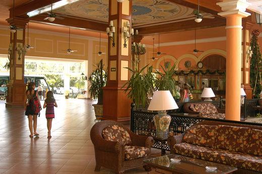 hotel-riu-tequila-playa-del-carmen-mexico-_-reception-2