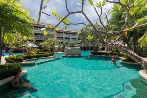 Thara Patong Beach Resort & Spa Review