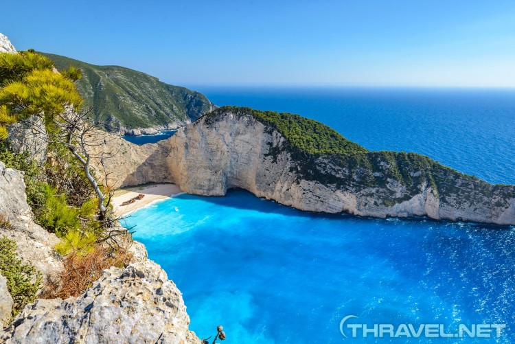 Navagio-Beach-(Shipwreck-Bay)