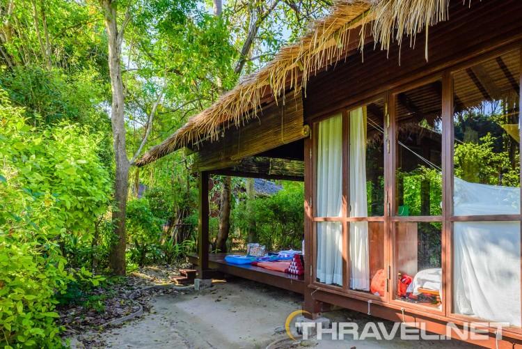 Zeavola resort Phi Phi Island - outdoor living space