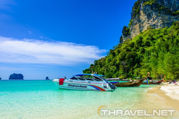 Krabi Thailand - boat trip to Poda Island