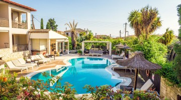 Where to Stay in Afitos: Stamos Hotel Review